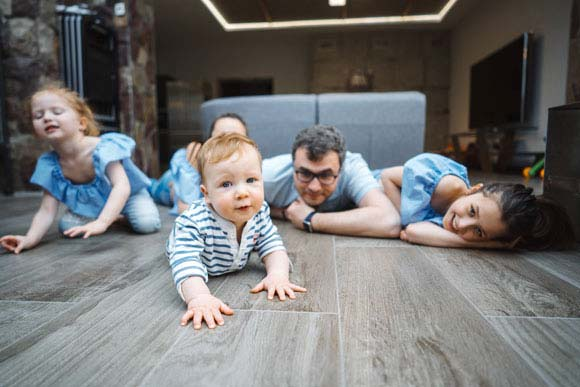 https://brazilfloors.com/wp-content/uploads/2019/05/little-boy-on-the-floor-PN2MXBW.jpg